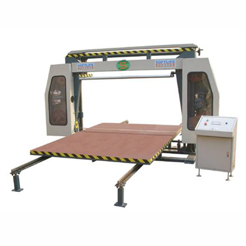 Computerized horizontal cutting machine