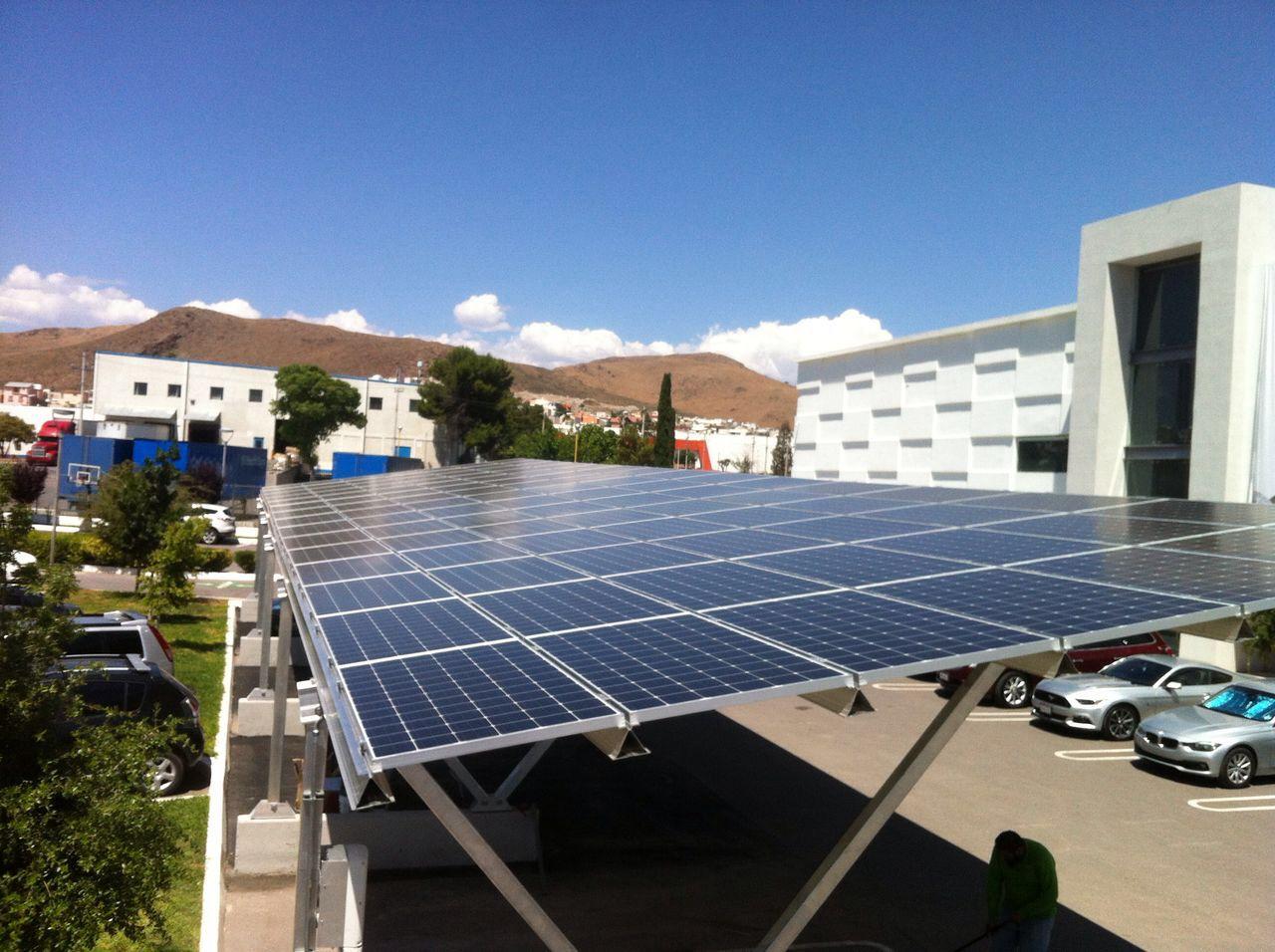 solar car part lot structure