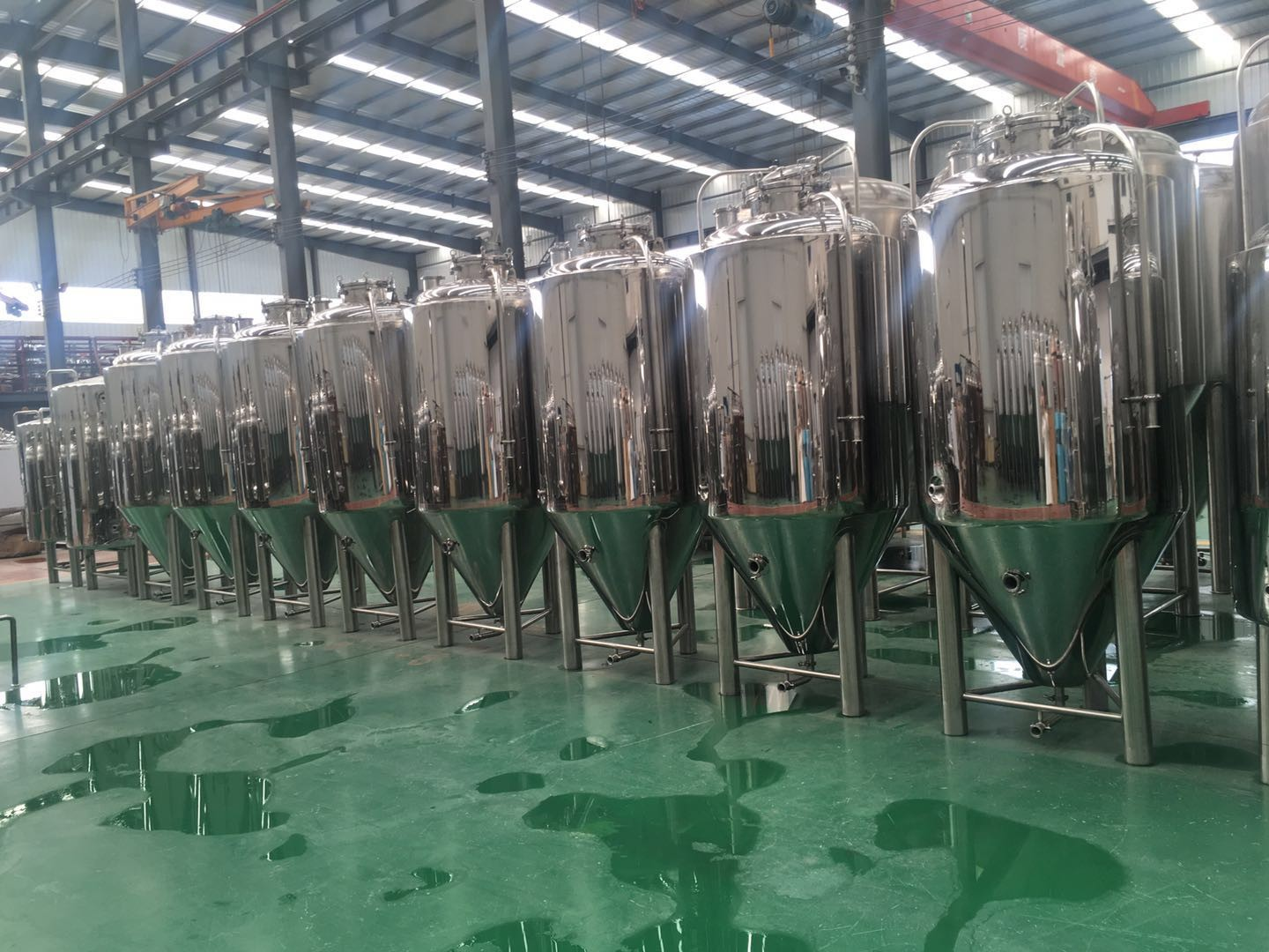 600L-1000L Beer brewing tanks supplier