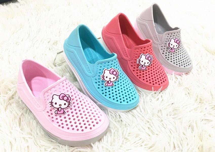 Cartoon baby shoes
