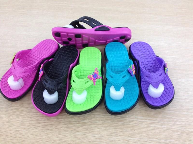 Girls slipper
