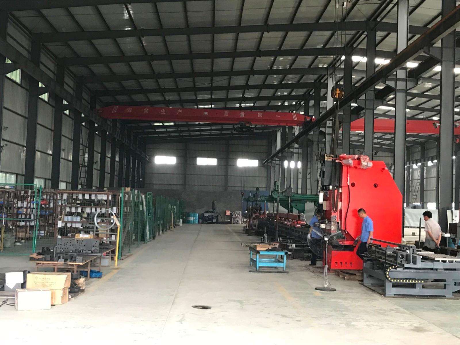 Hydraulic Punch Tuowei Workshop