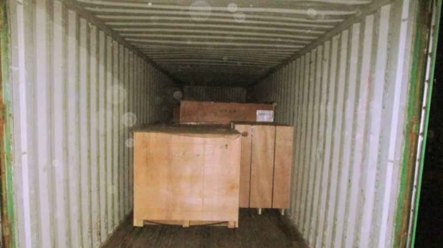 Wooden box packaging and loading 2.jpg