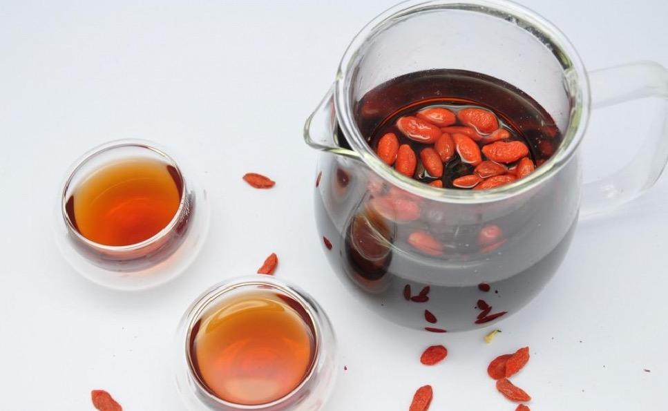 What are the side effects of Goji Berry Red Date Tea?