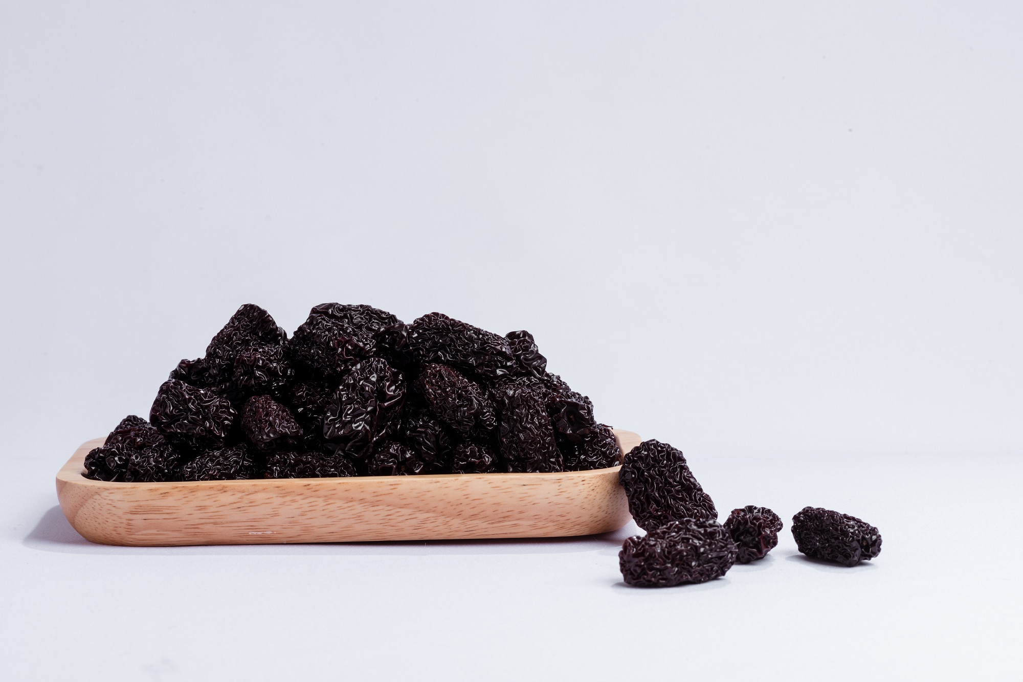 What are health benefits of black dates ?