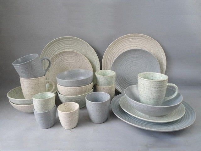 Ceramic dinner table set