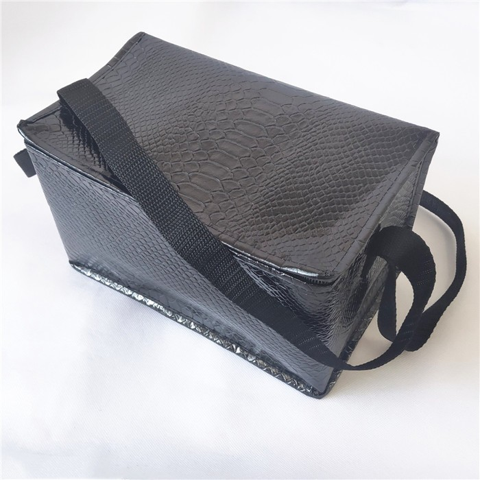 Wholesale Insulated Snakeskin Pattern Preservable Tote Cooler lunch bag, Insulated Snakeskin Pattern Preservable Tote Cooler lunch bag Manufacturers, Insulated Snakeskin Pattern Preservable Tote Cooler lunch bag Producers