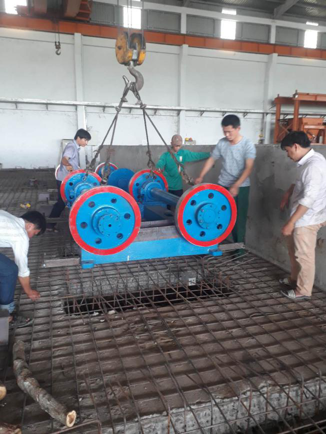 Hongxing group development co.,ltd sent experienced engineers to Vietnam factory to guide installation.