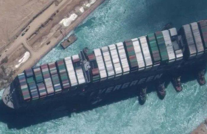 Egyiptom megkezdi a Szuezi-csatorna déli szakaszának kiszélesítését