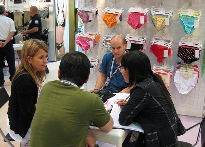 Посещения на клиенти за постигане на сътрудничество