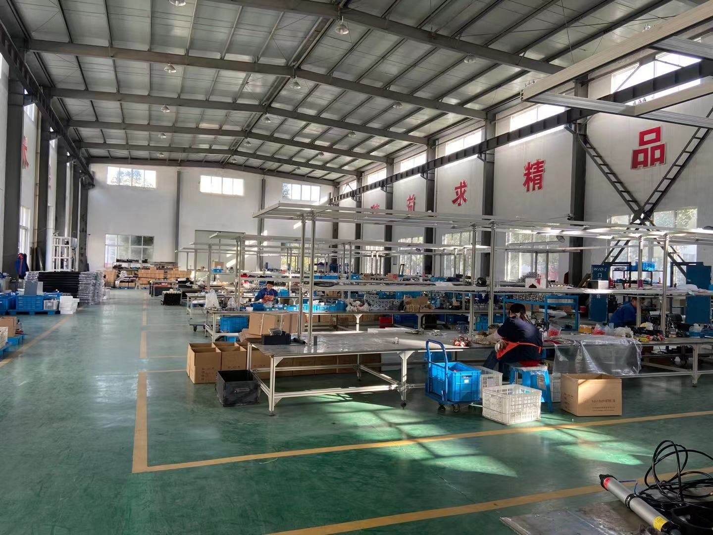 Being Qualified Supplier of Yutong bus with assembly line