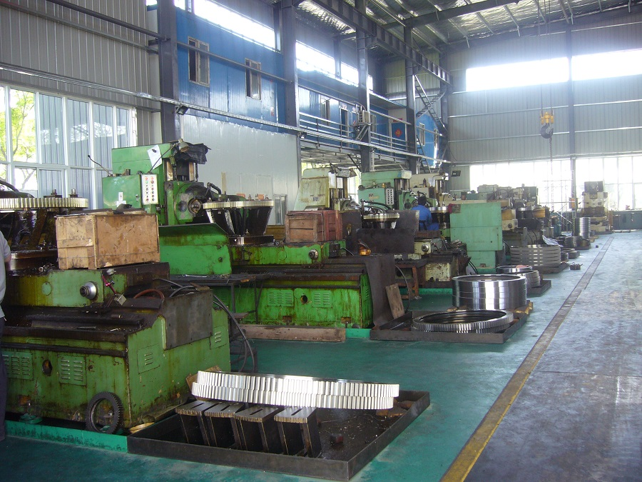 Gear Cutting Machine - 900x675.jpg