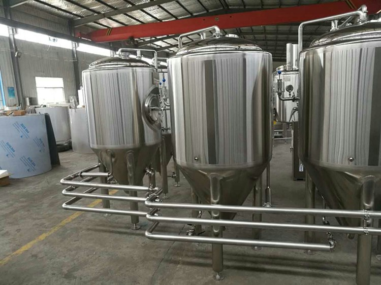 Stainless Steel Pipeling Connection Beer Tanks