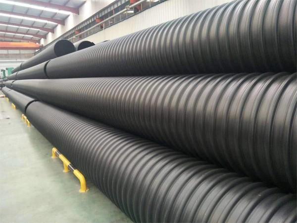 Tubo per fognatura ondulato rinforzato in metallo