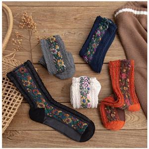 Toptan kişiselleştirilmiş şık retro çiçek baskı Harajuku çorap