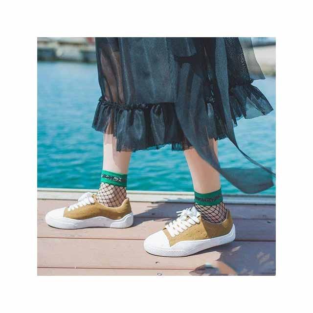 Fire super elegant sko og strømper til at matche, sokker til slid!