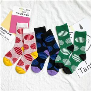 Hot sale custom Fashion wholesale comfortable cotton big dot stripe crew socks for children