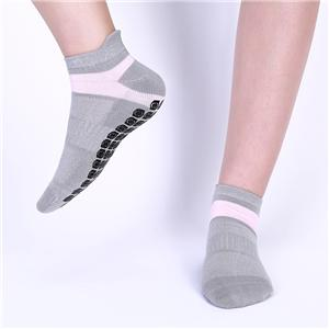 Wholesale Custom OEM Customized Cute Solid Breathable Non-slip Yoga Terry Socks for Women