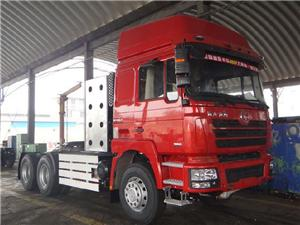 Shacman Large Torque CNG Tractor 380HP