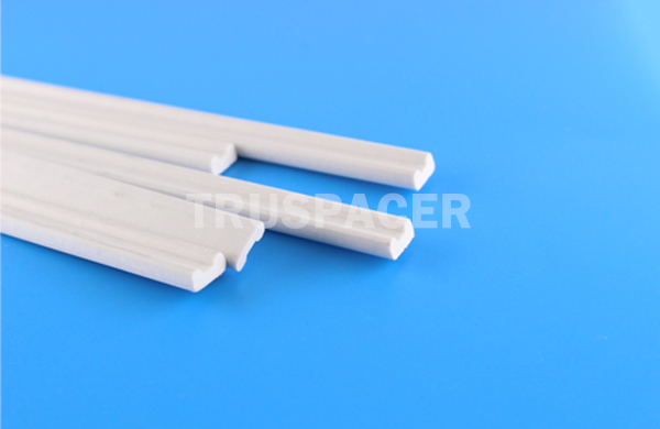 Insulating glass desicant
