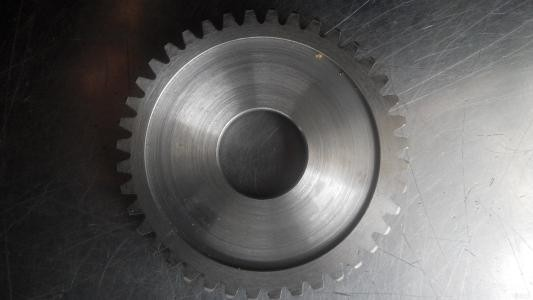 What are the heat treatment methods for gear processing?