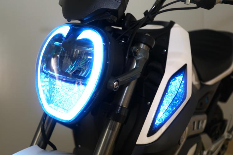 Elektrische motorfiets voor heren