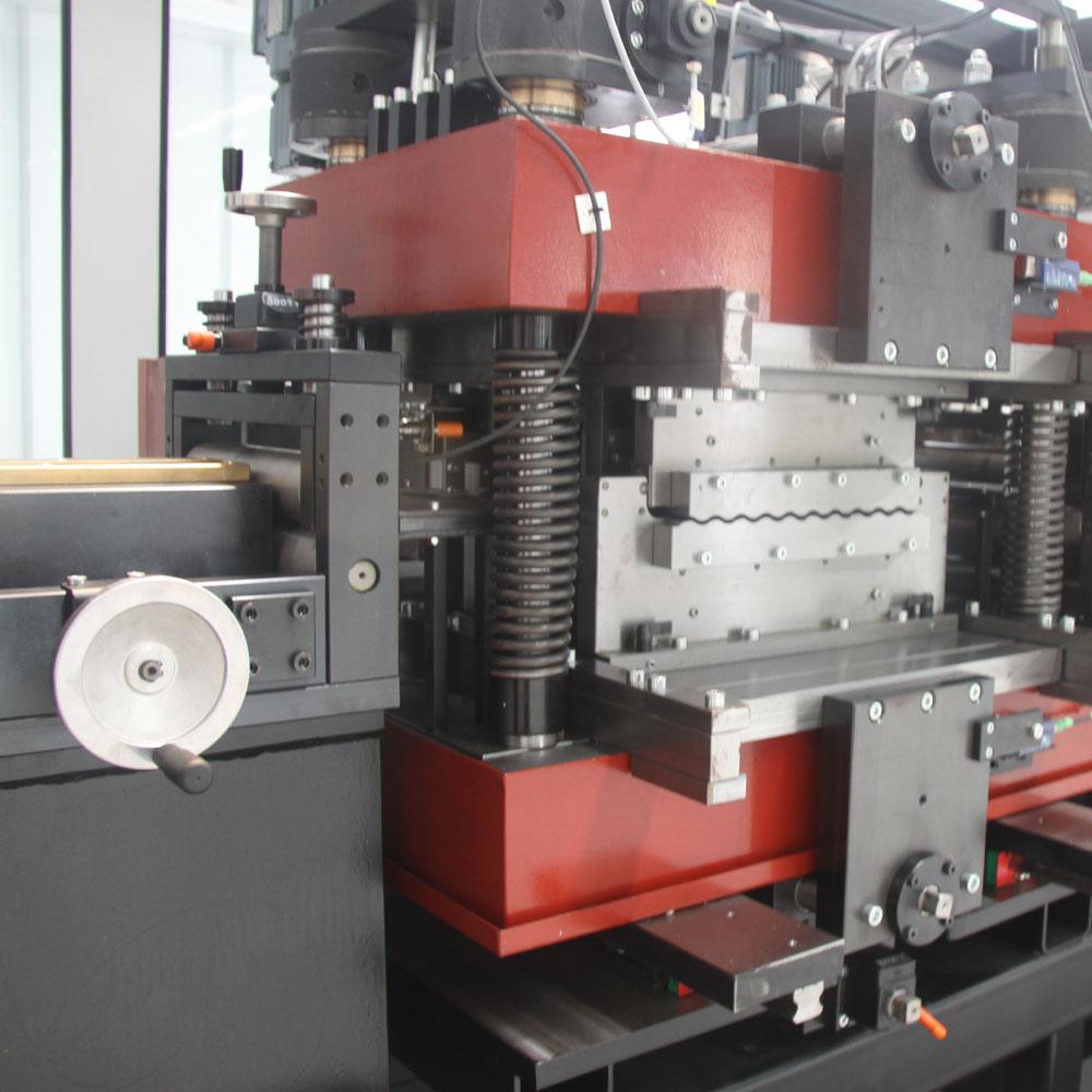 机器2.jpg