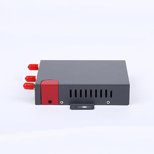 נתב LAN עם חריץ לכרטיס SIM