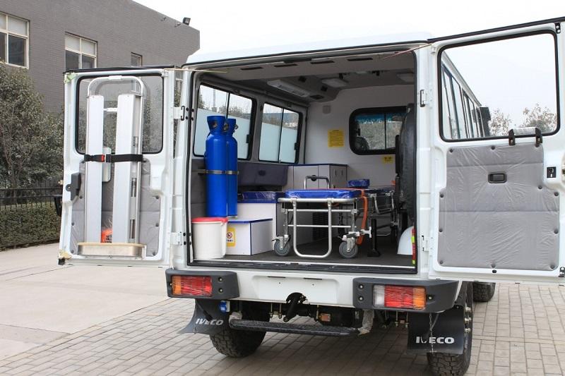 4WD ICU ambulance price
