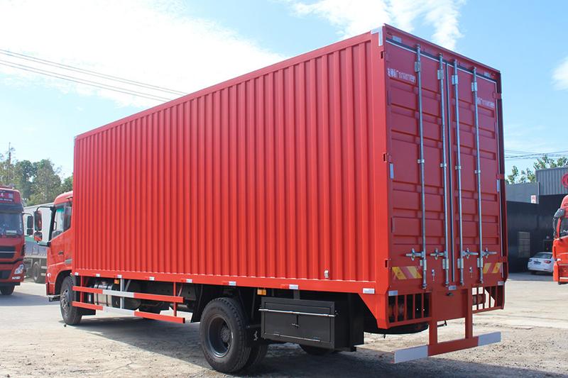 4x2 box truck