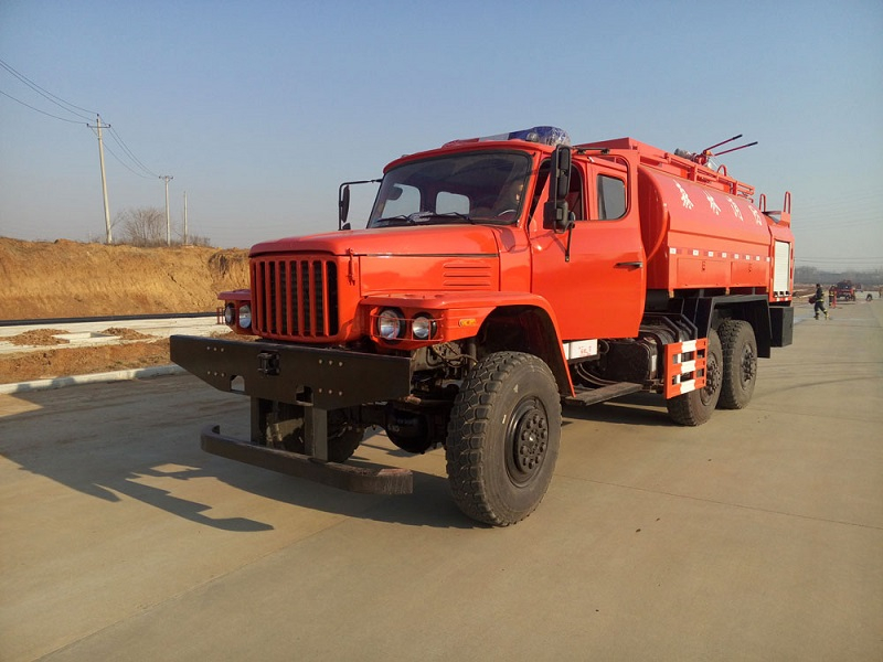 off road fire fighting truck