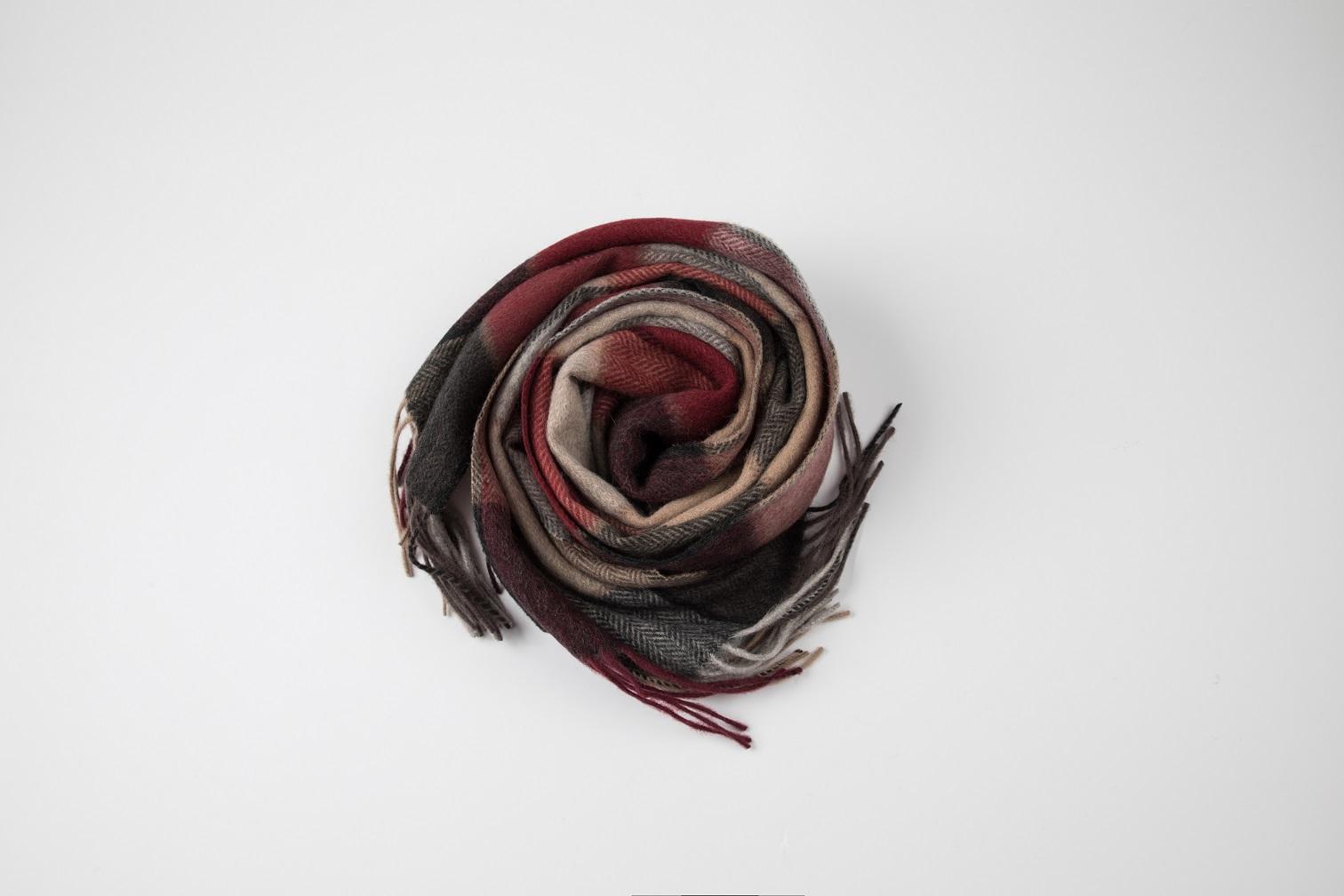 Plaid woven scarf