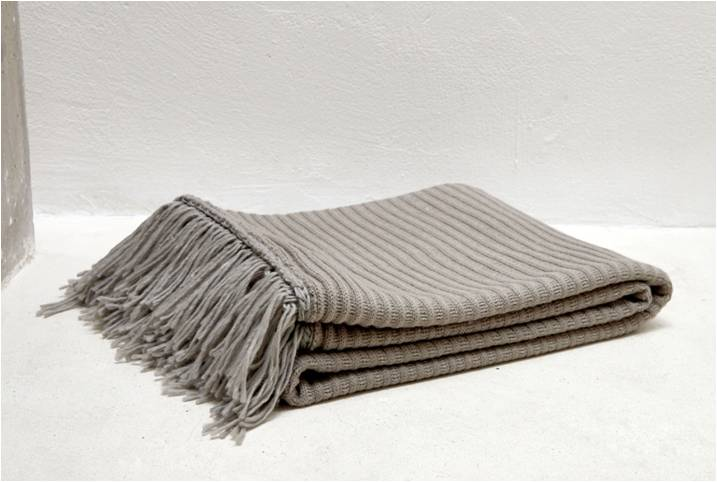 Cable knitted throw blanket