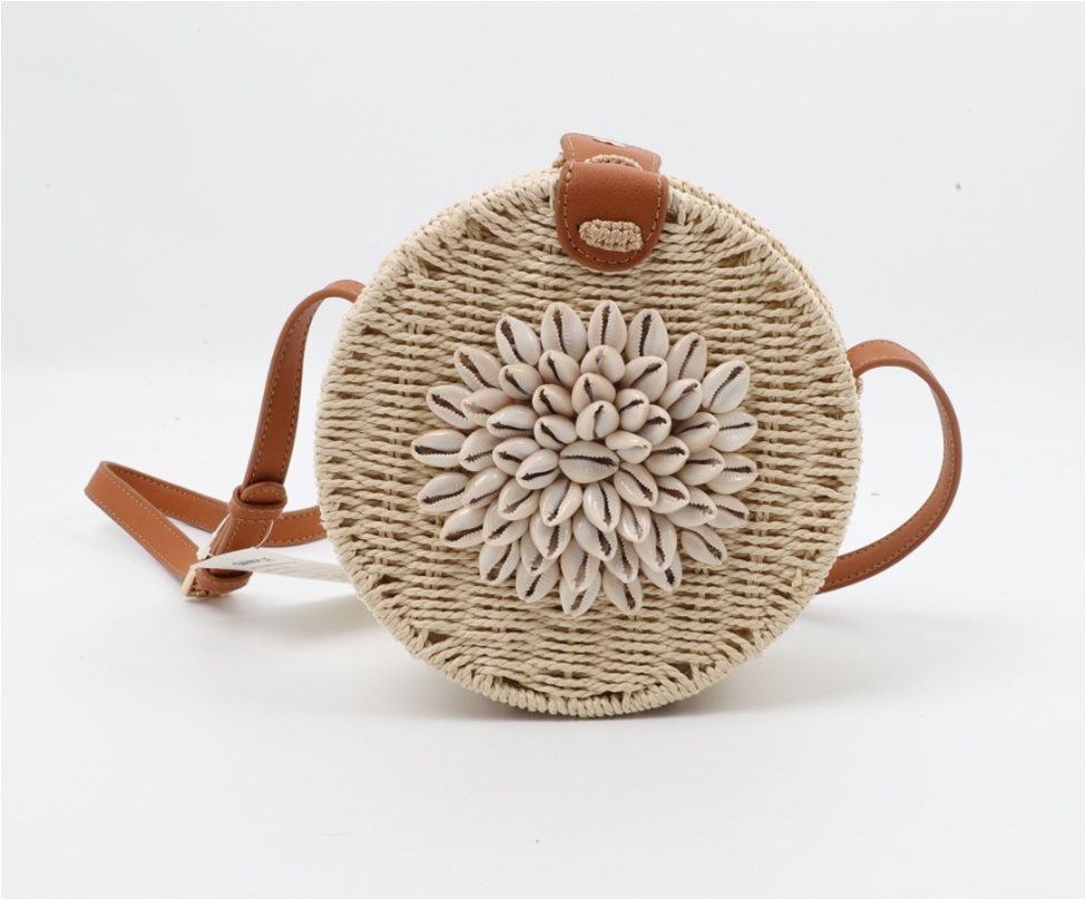 Seashell rattan bag