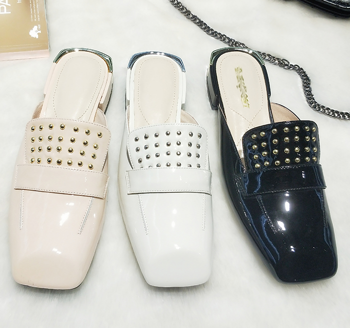 loafers with rivet