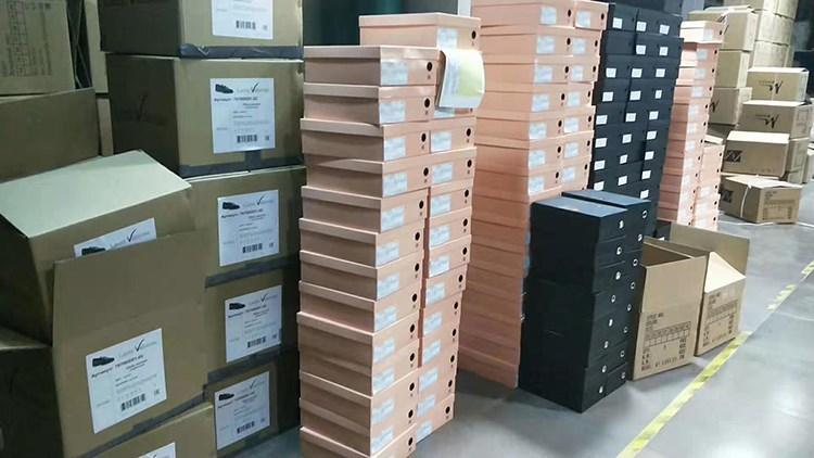 congratulations! Our shoes are shipped out smoothly.Good shoes are not afraid of full inspection!