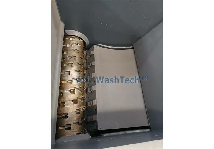 Hidrolik ekranlı tek vidalı parçalayıcı
