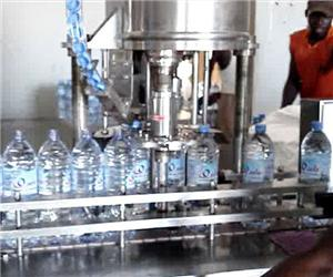 South Africa customer linear filling machine