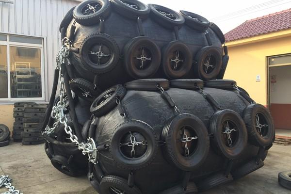 Defensas marinas inflables