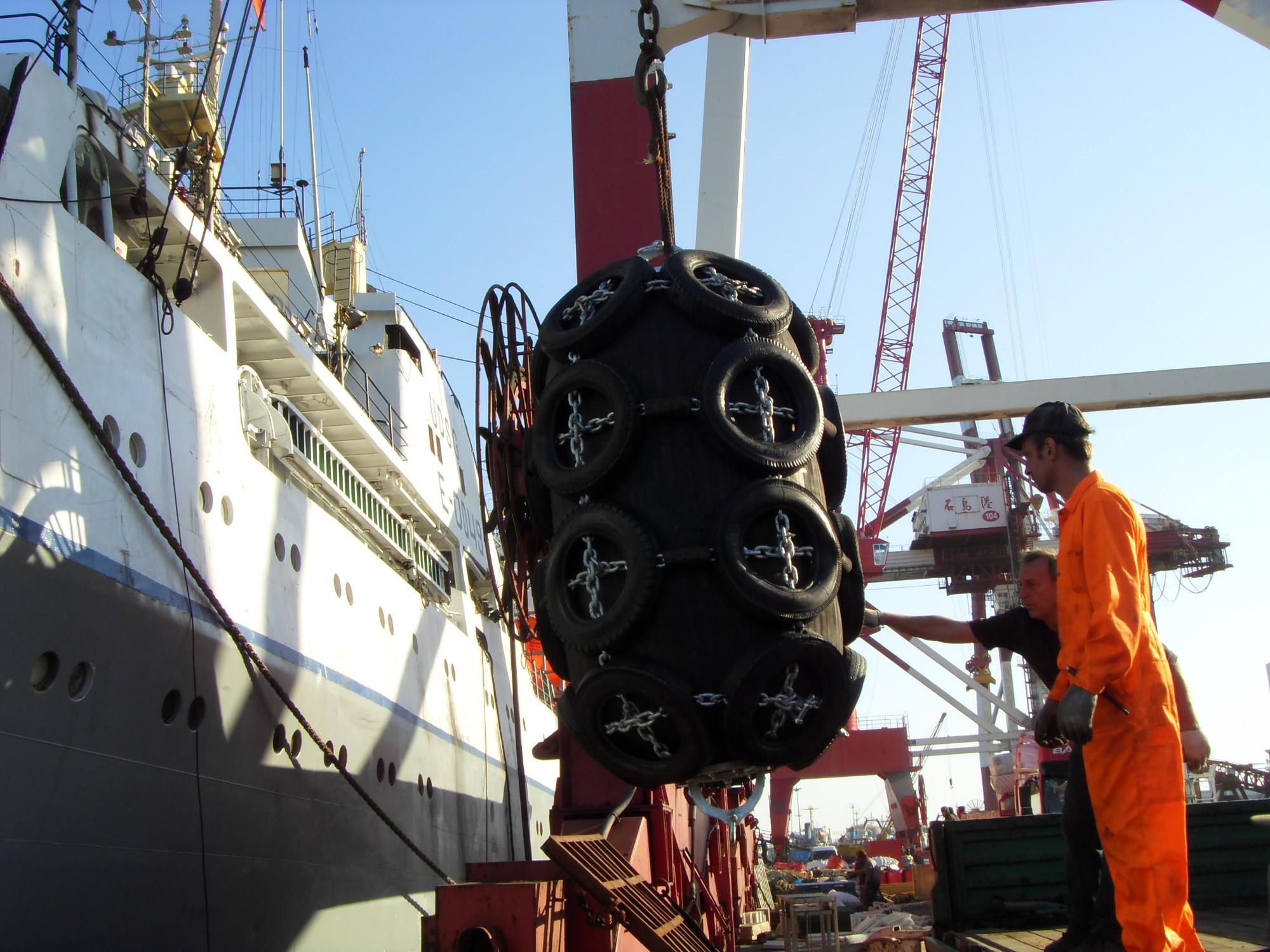 Nuestra compañía entrega el guardabarros de Yokohama hecho para el cliente ruso.
