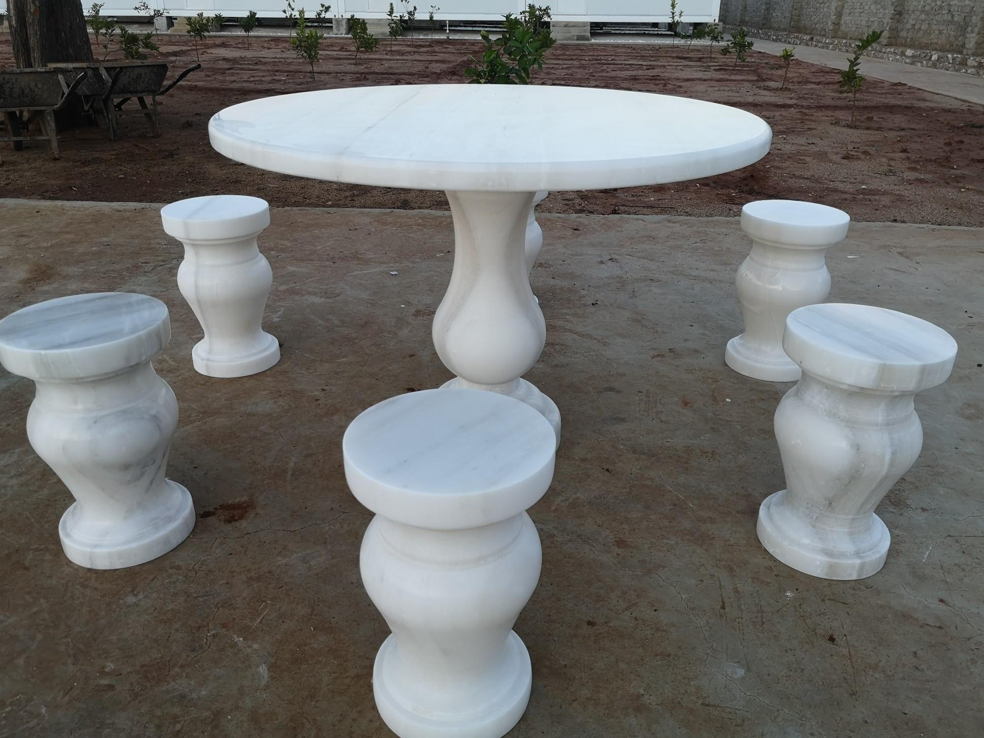 หินอ่อนสีขาวเมฆ - โต๊ะและสตูล