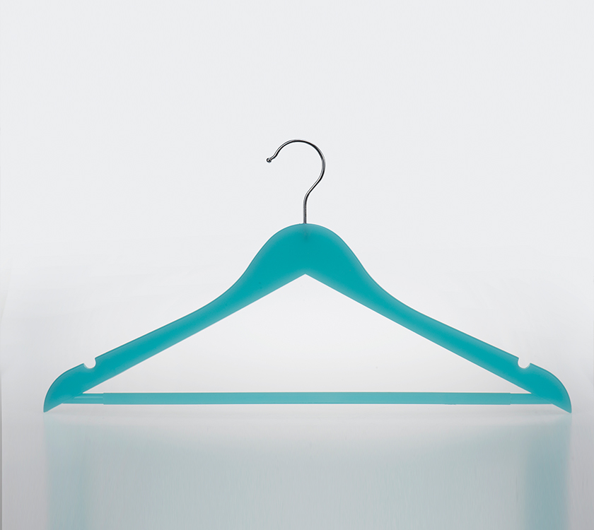 wood like plastic hanger