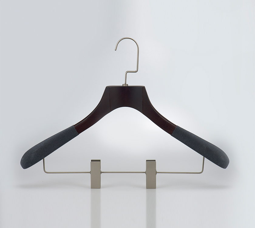 hotel hanging clothes rack