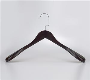 Wooden Luxury Wide Shoulder Clothes Hanger For Suit