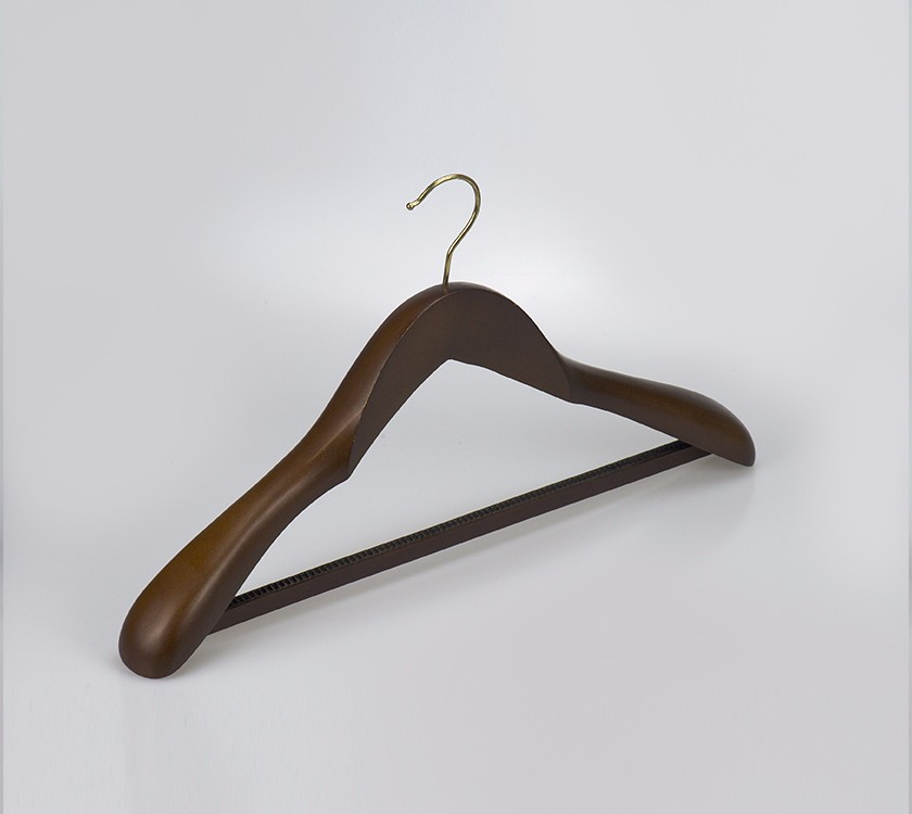 Wood Coat Hanger With Non Slip Strips Bar
