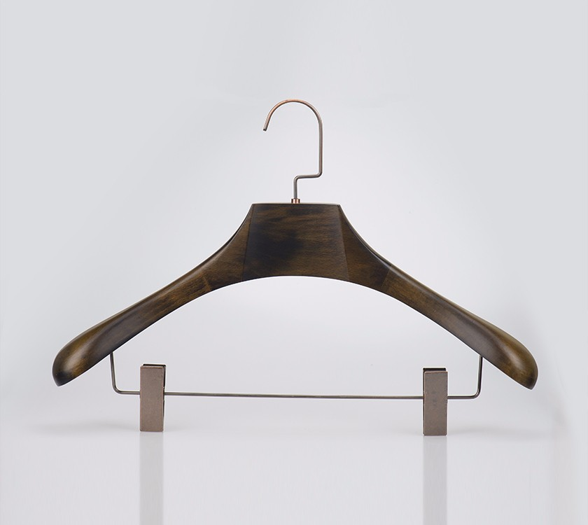 Wooden Thick Suit Hangers With Trouser Clamp Manufacturers, Wooden Thick Suit Hangers With Trouser Clamp Factory, Supply Wooden Thick Suit Hangers With Trouser Clamp