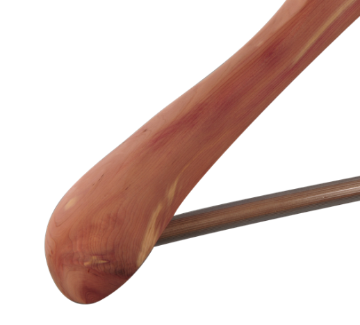 cabides de cedro terno