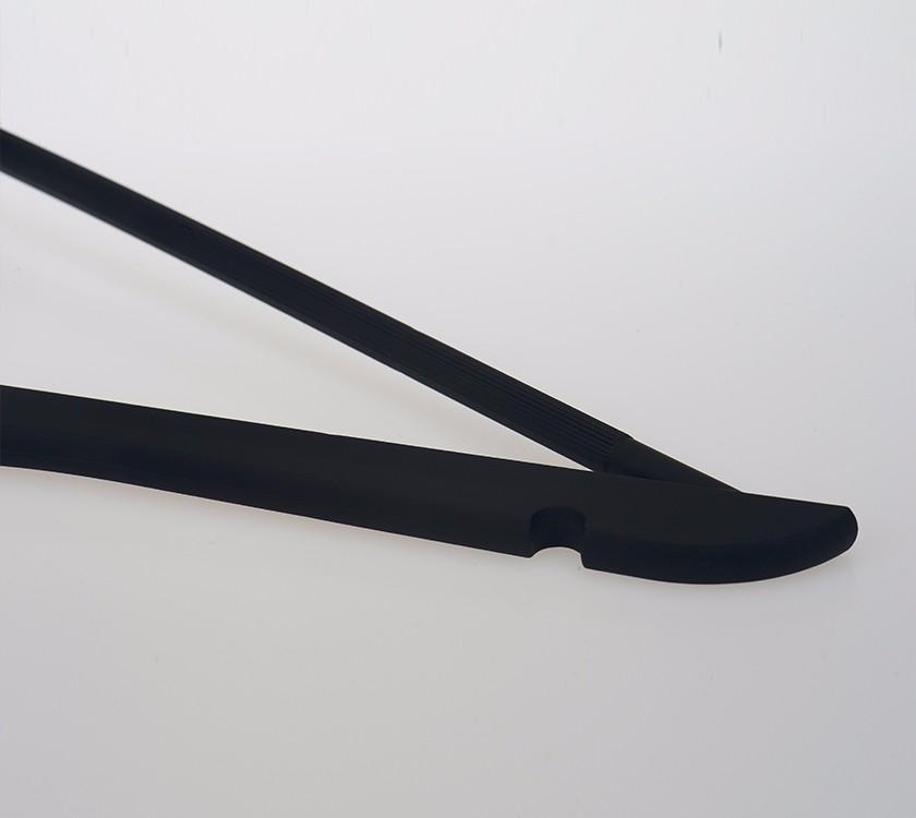 Black Zara Shape Plastic Hanger With Trousers Bar Manufacturers, Black Zara Shape Plastic Hanger With Trousers Bar Factory, Supply Black Zara Shape Plastic Hanger With Trousers Bar