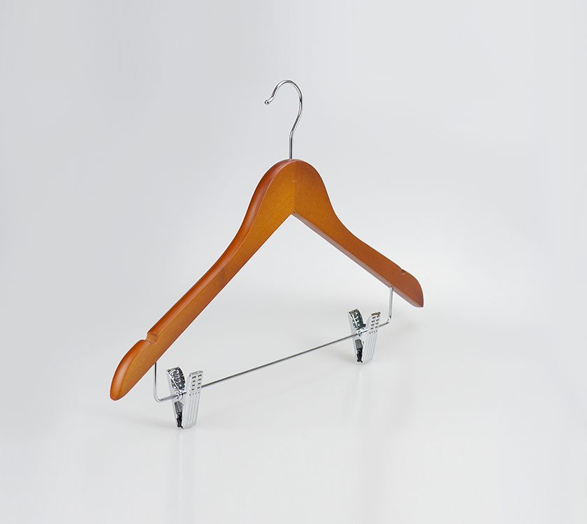 móc áo với clip