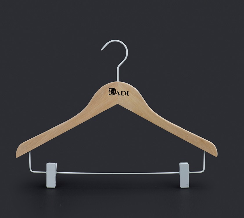 Anti Slip Wooden Hotel Hanger With Clips